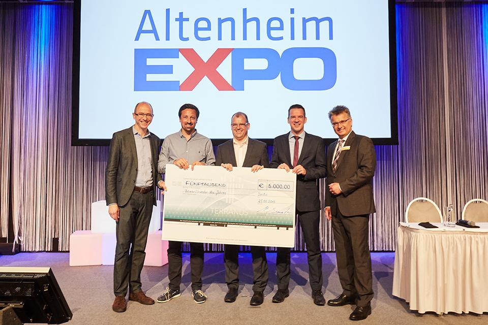 TERRANUS Geschäftsführer Markus Bienentreu mit dem Betreiber sowie Investor des Jahres bei den Altenheim EXPO Awards 2019